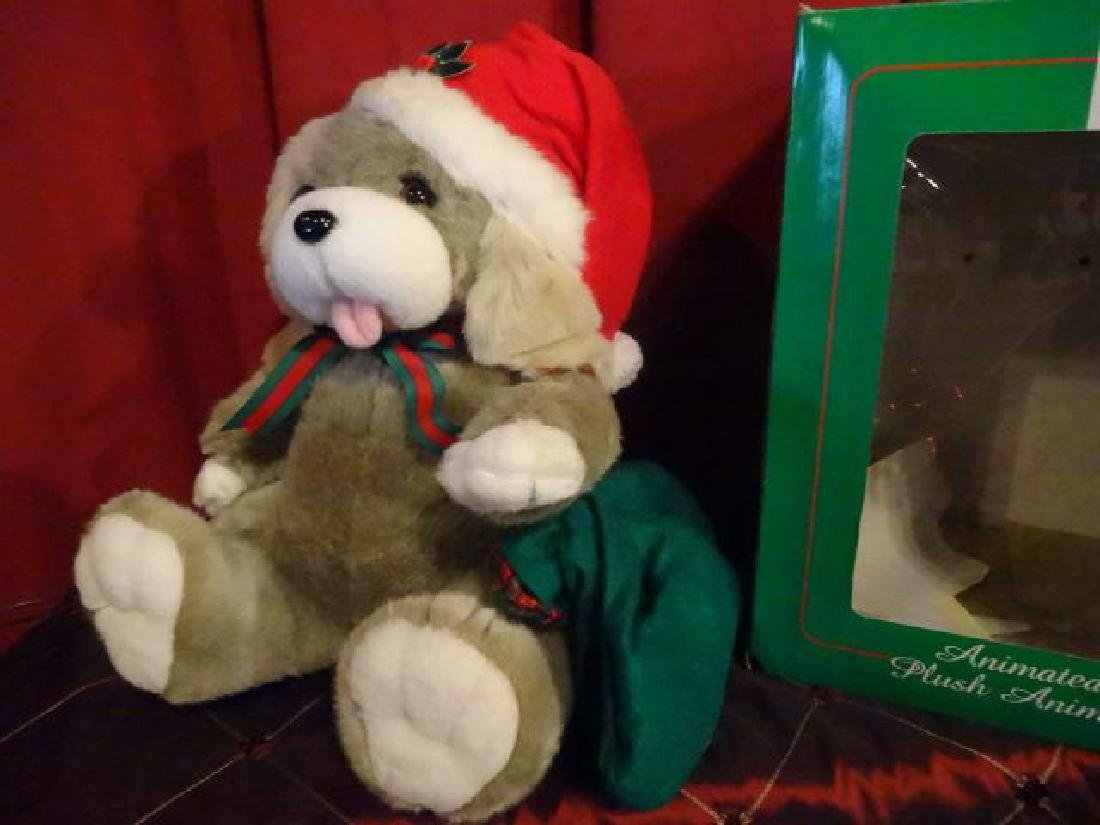 ANIMATED CHRISTMAS BEAR FIGURE, IN SANTA HAT, IN