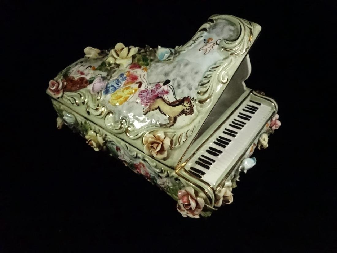 CAPODIMONTE STYLE PORCELAIN GRAND PIANO SCULPTURE, - 2