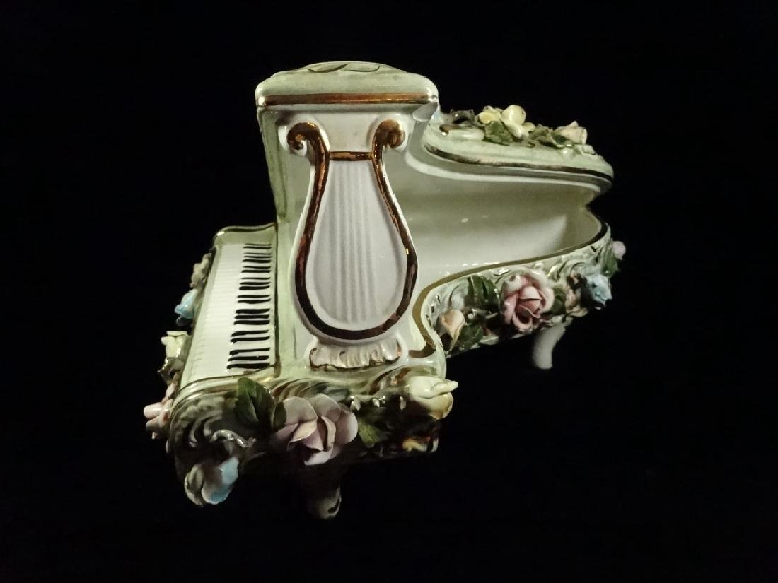 CAPODIMONTE STYLE PORCELAIN GRAND PIANO SCULPTURE, - 3