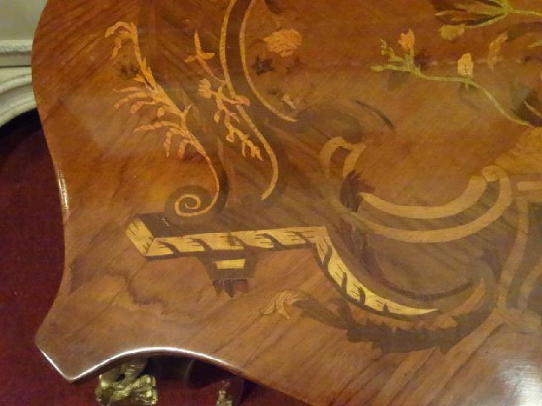 LOUIS XV STYLE MARQUETRY TABLE, GILT METAL ORLMOLU, - 11