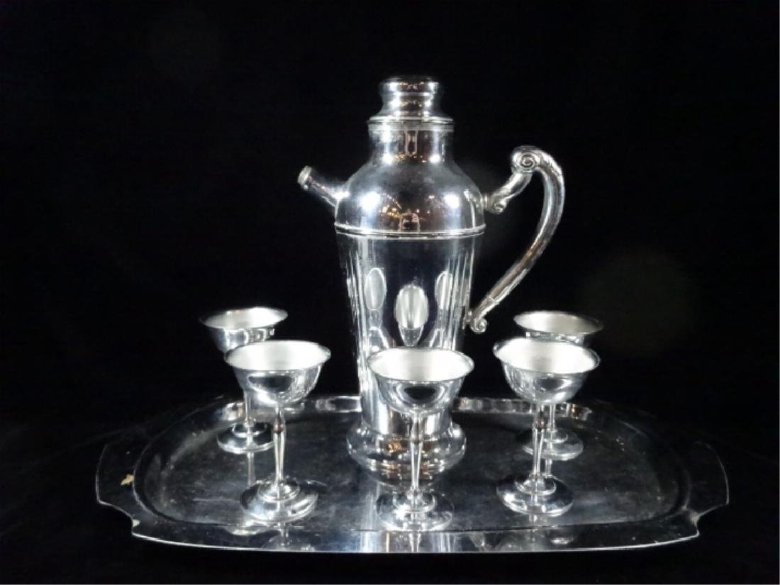 7 PC CHROME FINISH BARWARE, INCLUDES PITCHER APPROX