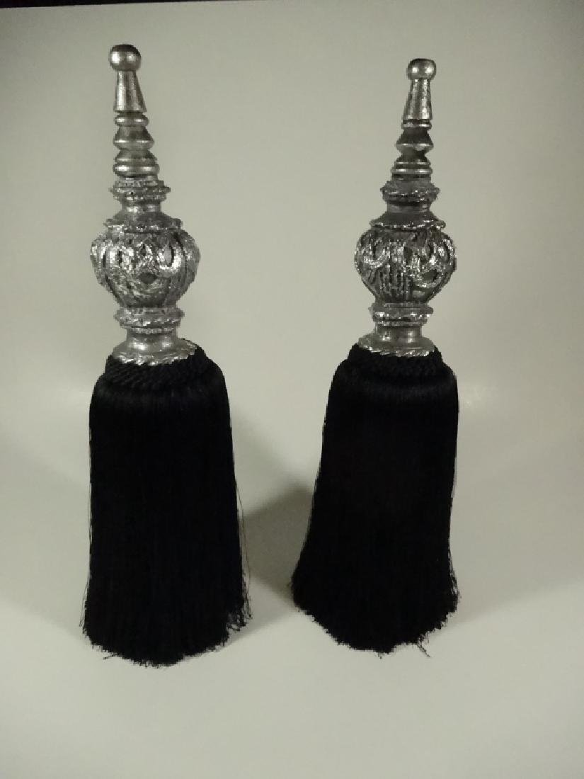 2 PC NECKLACE HOLDERS / TABLETOP DECOR, SILVER TOP WITH