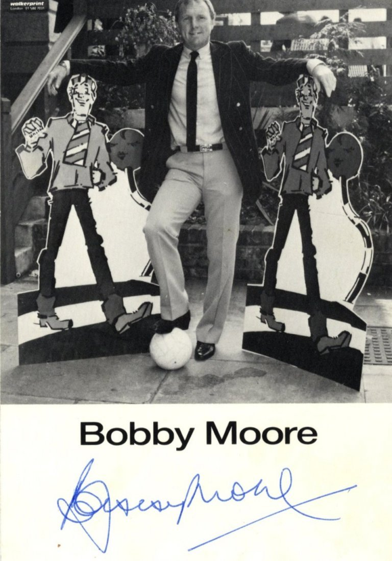 MOORE BOBBY: (1941-1993) English Footballer, Captain of