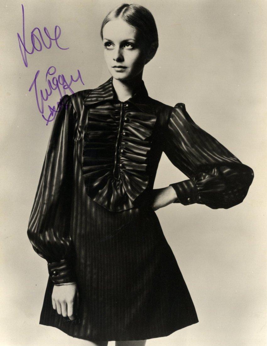 TWIGGY: (1949- ) English Fashion Model of the 1960s. Vi