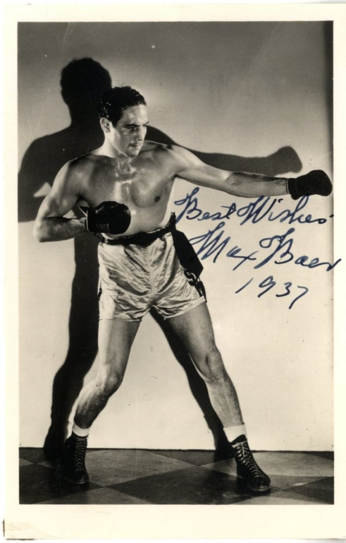 BOXING: A good, small group of signed postcard