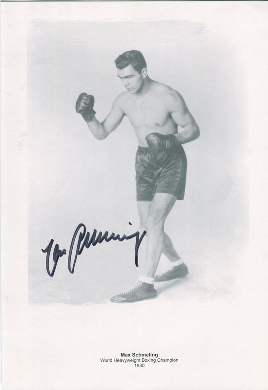 BOXING: Selection of signed 8 x 10 photographs and a