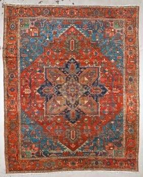 Antique Serapi Rug: 9' x 11'3'' (274 x 343 cm)