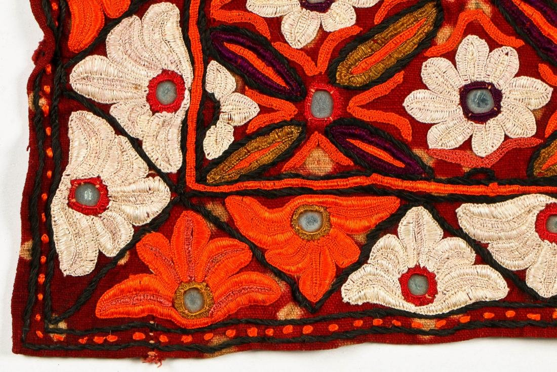 2 Sind Embroidered Blouses w. Mirrors - 5
