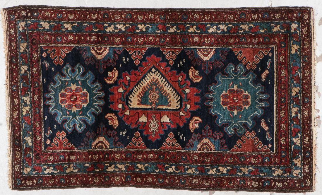 Antique Hamadan Rug: 2'8'' x 4'5'' (81 x 135 cm)