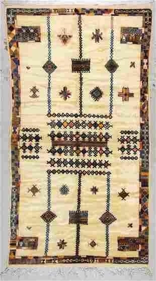 Moroccan Rug: 4'9'' x 9'10'' (145 x 300 cm)