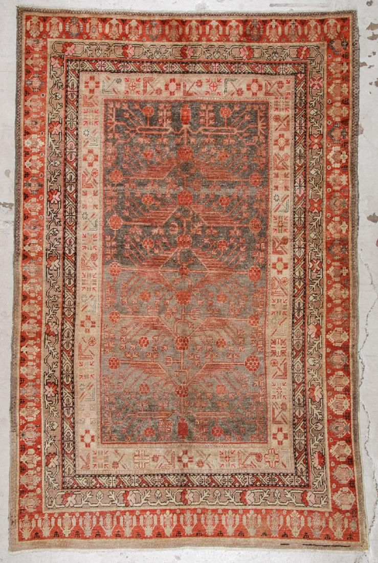 Antique Khotan Rug: 5'7'' x 8'8'' (170 x 264 cm)