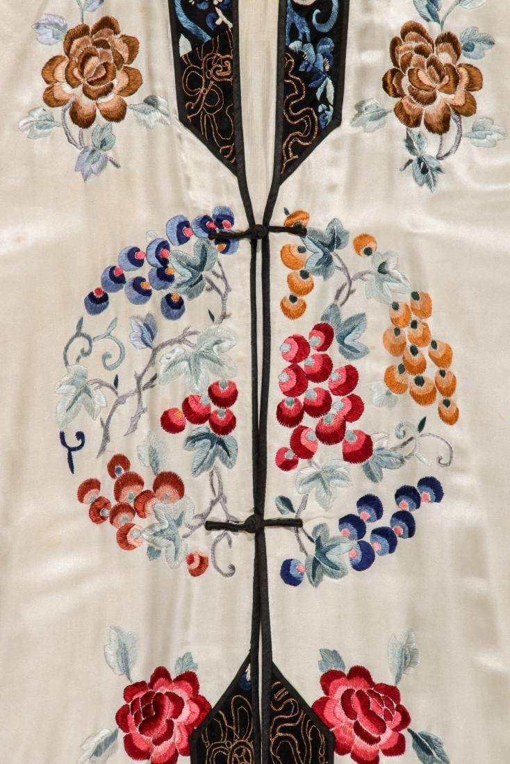 Chinese Silk Embroidered Robe - 4