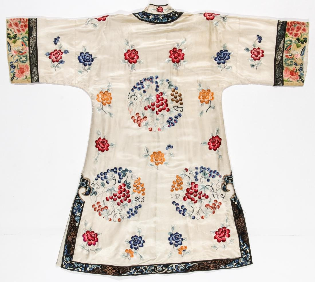 Chinese Silk Embroidered Robe - 8