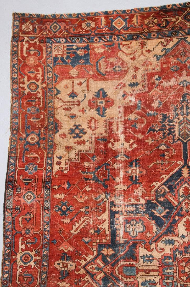 Antique Serapi Rug, Persia: 9'3'' x 13'11'' - 3