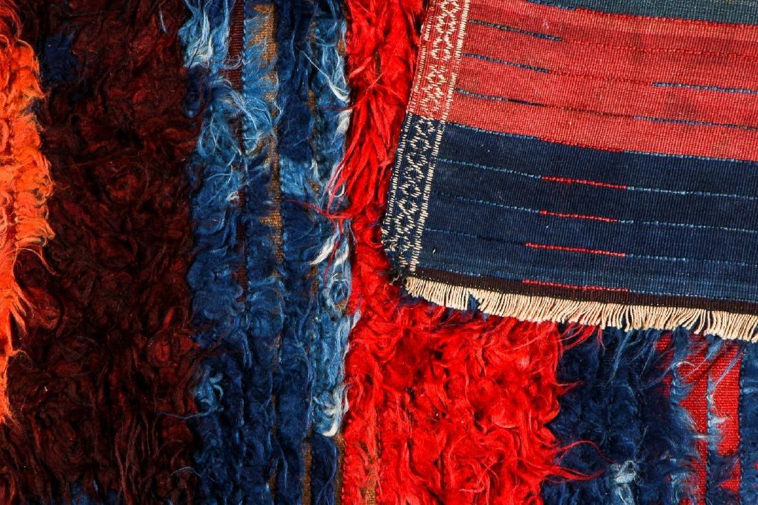Antique Tulu Rug, Turkey: 3'9'' x 5'6'' (114 x 168 cm) - 4