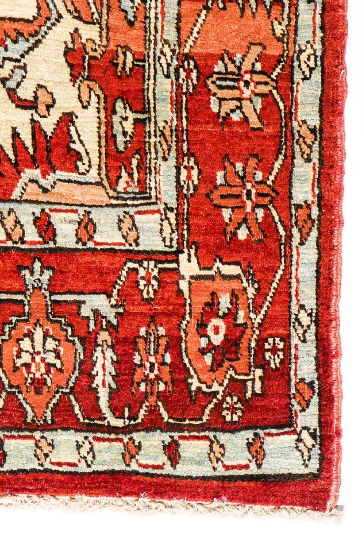 Serapi Rug, Persia: 4'3'' x 6'10'' (130 x 208 cm) - 3