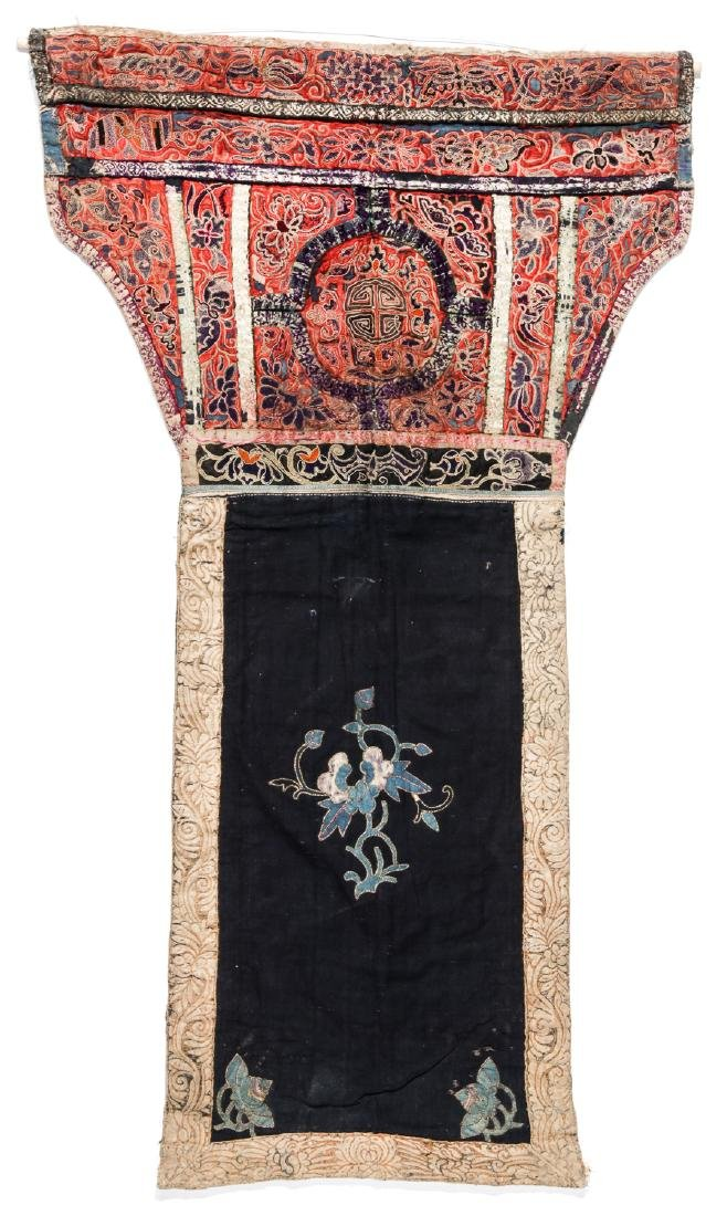 4 South China Embroidered Dresses, Early 20th C - 3