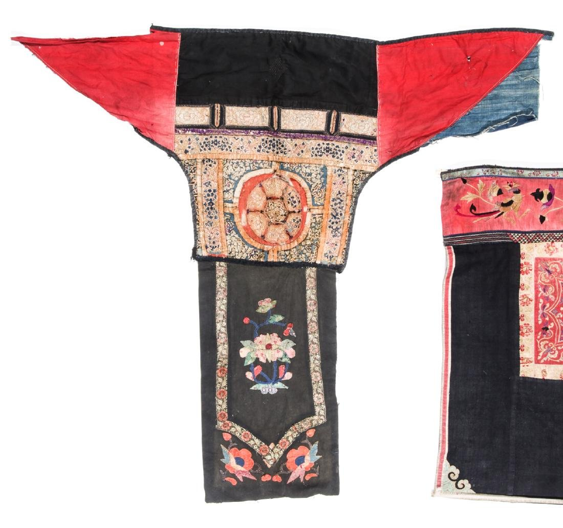 4 South China Embroidered Dresses, Early 20th C - 4