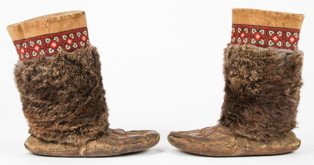 Pair of Old Inuit Beaded Mukluks/Boots - 3