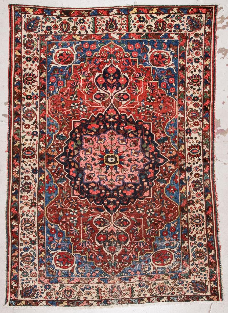 Semi-Antique Baktiari Rug, Persia: 7' x 9'9''