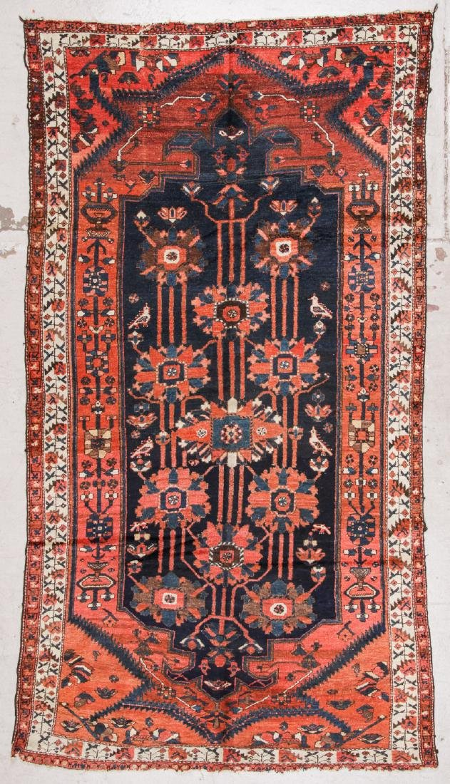 Antique Baktiari Rug, Persia: 5'2'' x 9'7''
