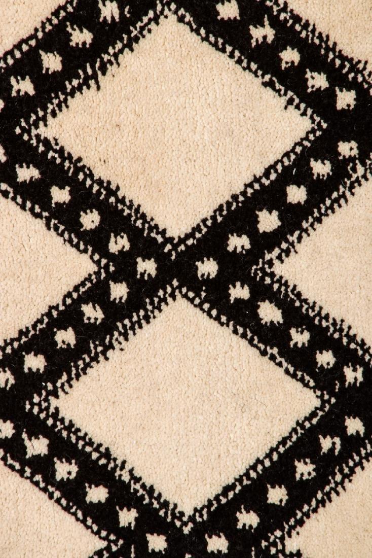 Modern Beni Ourain Rug: 3'9'' x 6'10'' - 3