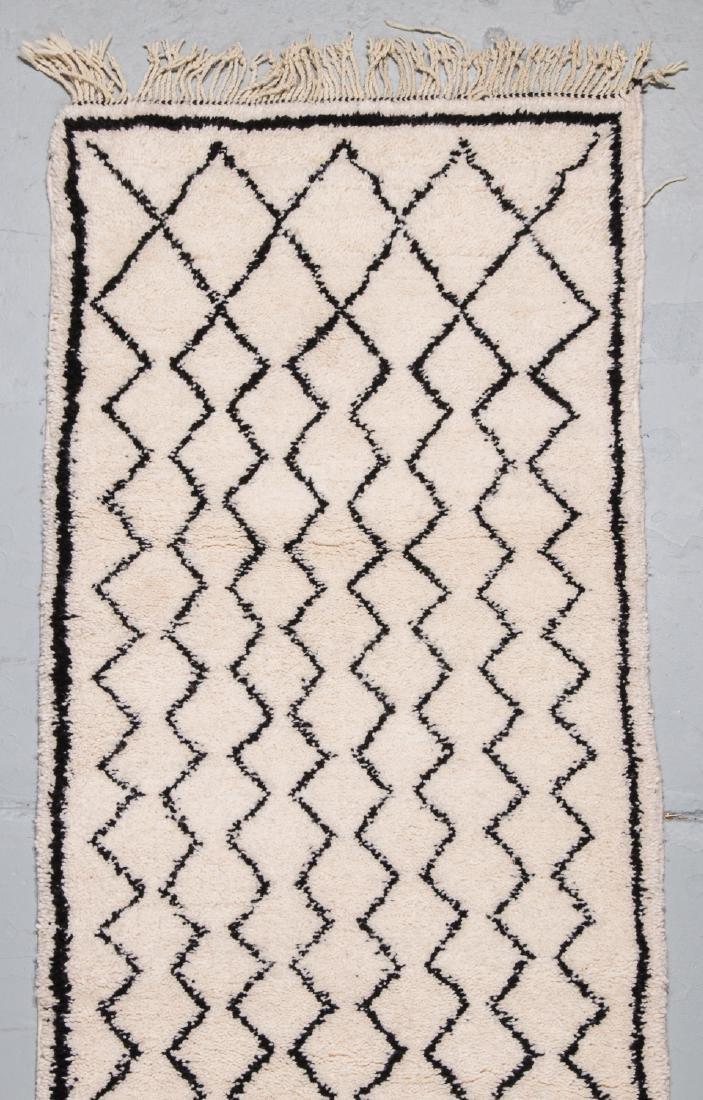 Modern Beni Ourain Rug, Morocco: 2'11'' x 9'10'' - 2