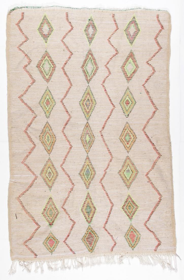 Vintage Moroccan Rug: 4'3'' x 6'4'' - 6
