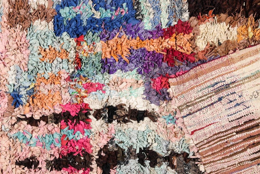 Vintage Moroccan Rug: 3'4'' x 6'7'' - 4
