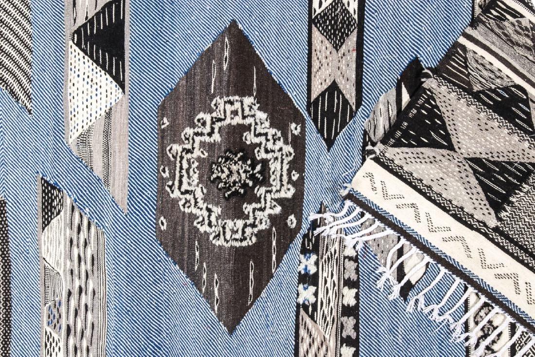 Modern Moroccan Taznacht Kilim: 3'4'' x 7'2'' - 4
