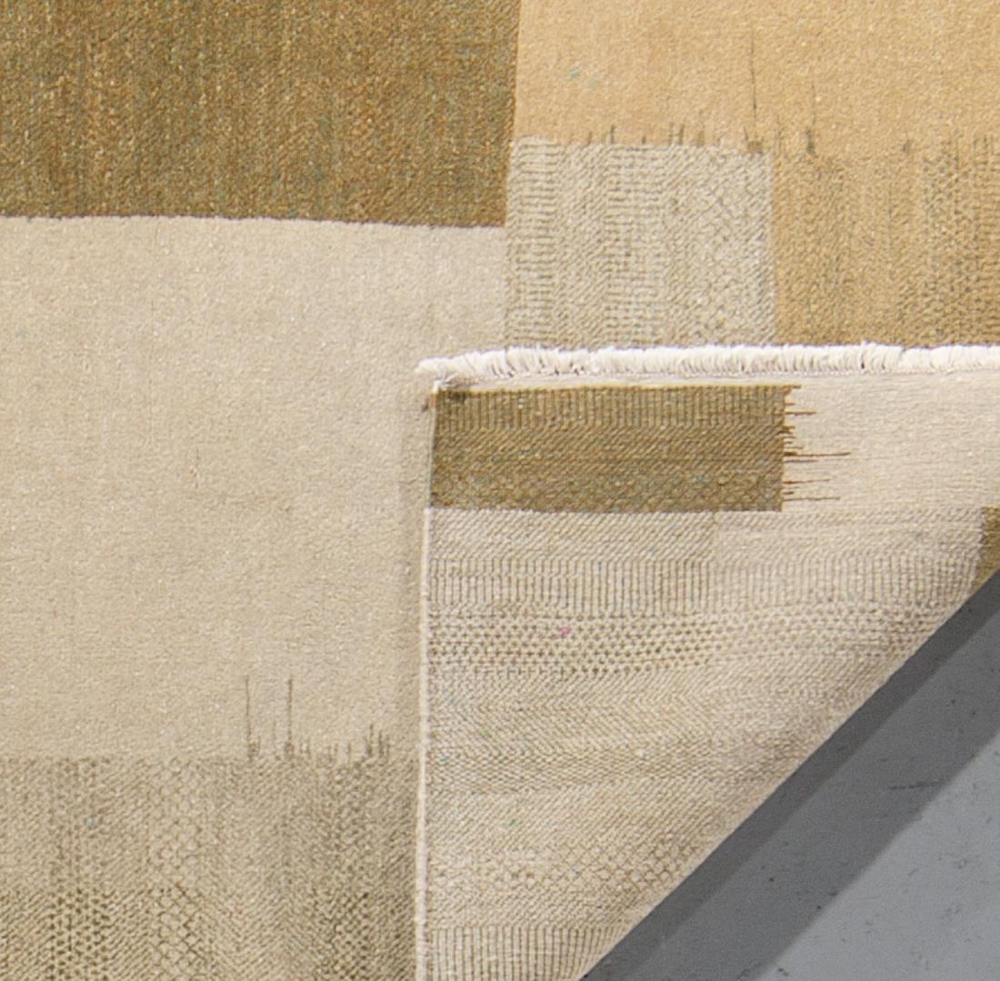 Modern Mahindra Natural Dye Rug: 4'2'' x 6'6'' - 2