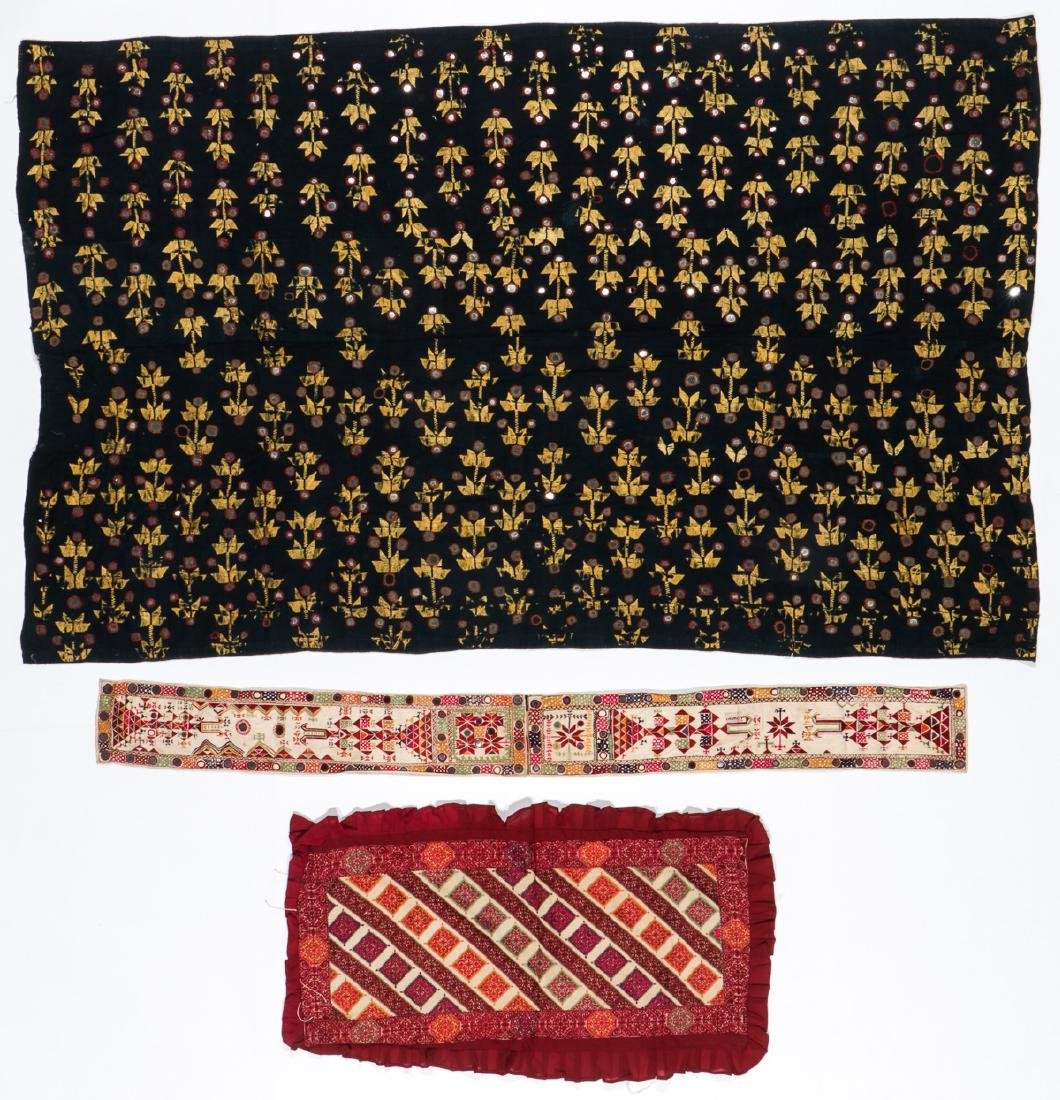 Lot of old Indian/Pakistani embroidered textiles - 5