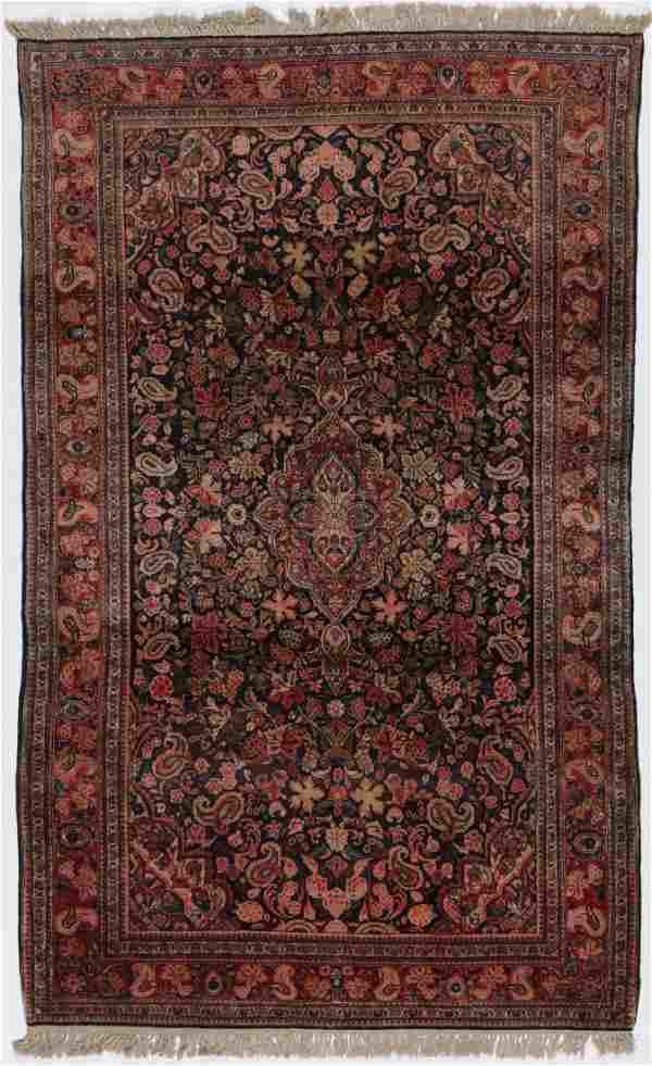 Semi-Antique Sarouk Rug: 4'0'' x 6'0''