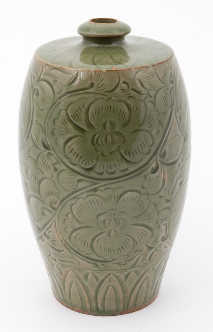 Fine Chinese Qing Dynasty Celadon Vase - 4