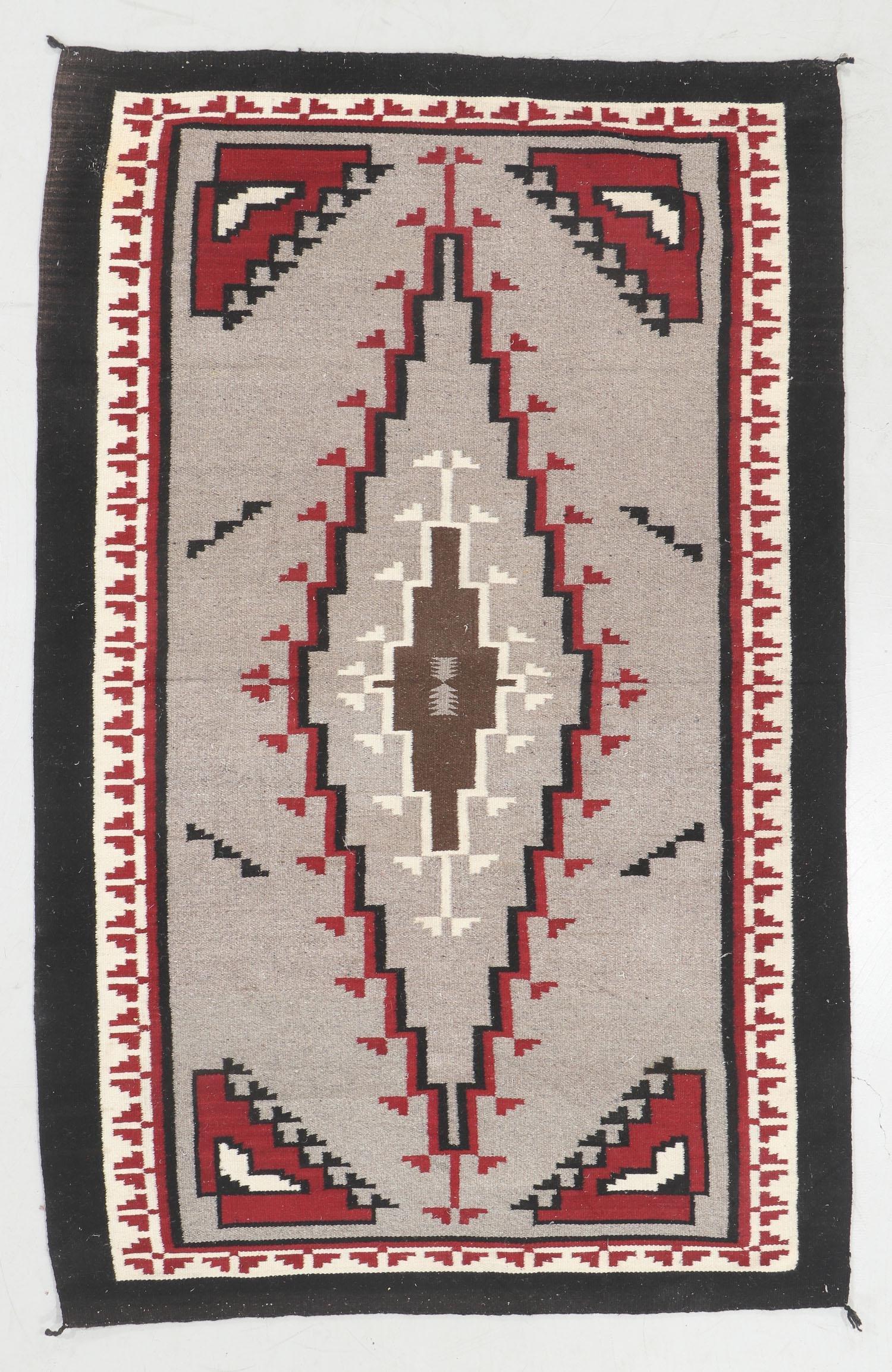 Navajo Style Rug: 4