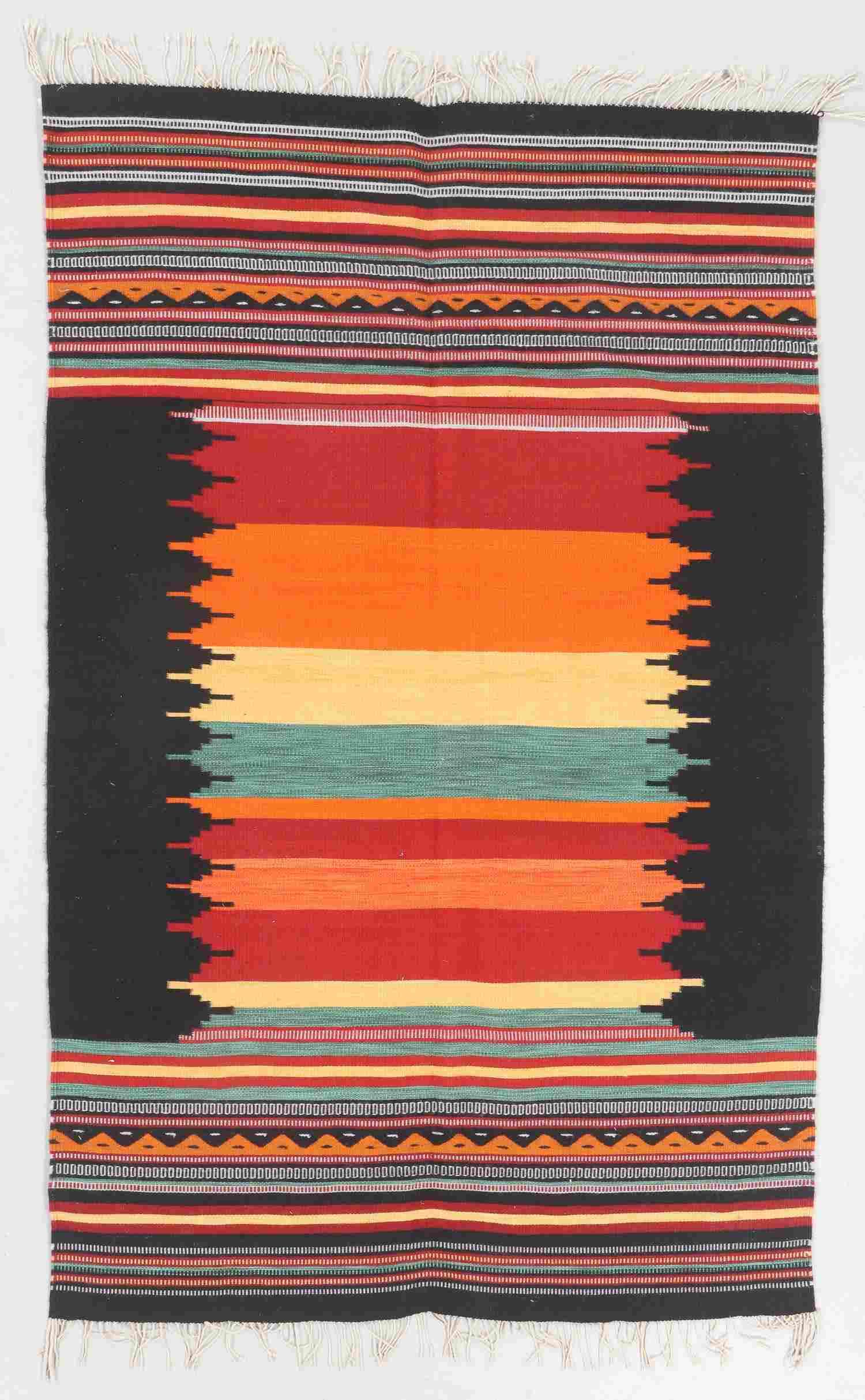 Modern Zapotec Wool Kilim, Mexico: 5'1'' x 8'1''