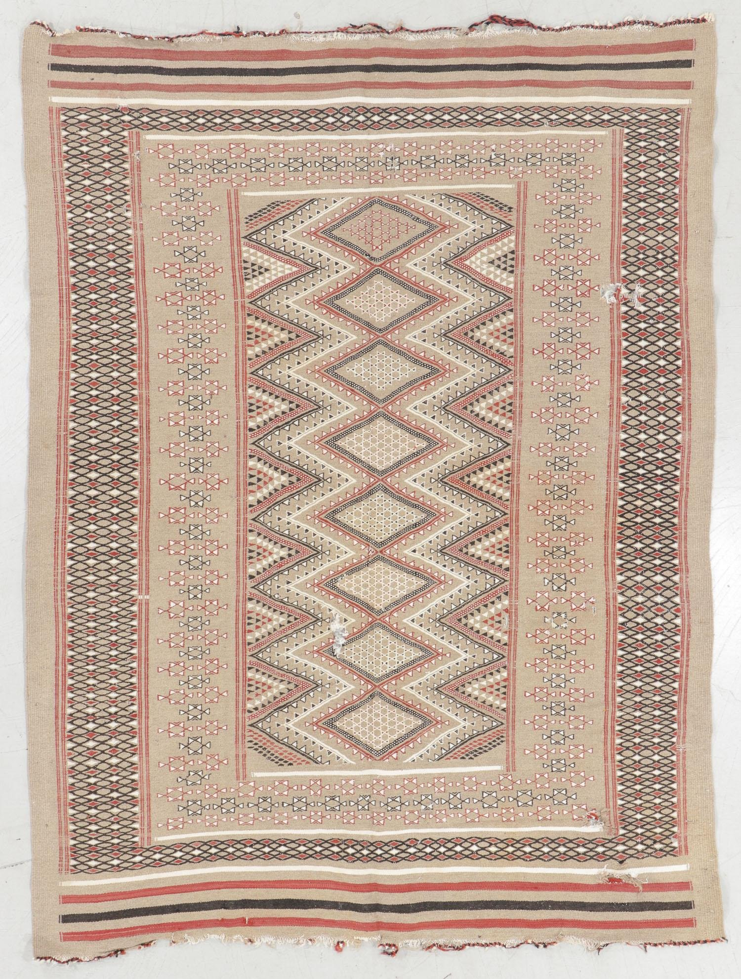 Moroccan Mixed Weave Rug, Morocco, Mid 20th C., 5'1'' x