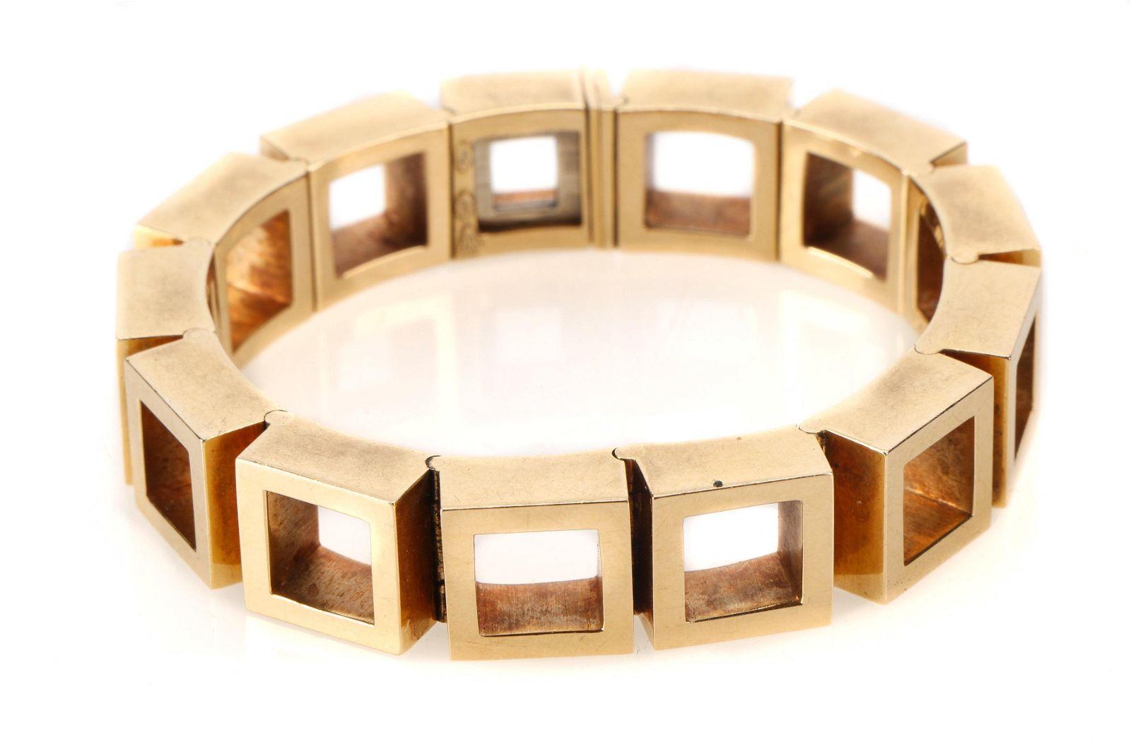 Finely Crafted Gold Bracelet