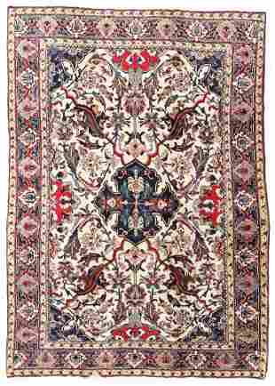 Agra Rug, India, Early 20th C., 7'11'' x 11'2''
