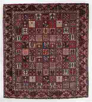 Baktiari Garden Rug, Persia, Mid 20th C., 13'4'' x