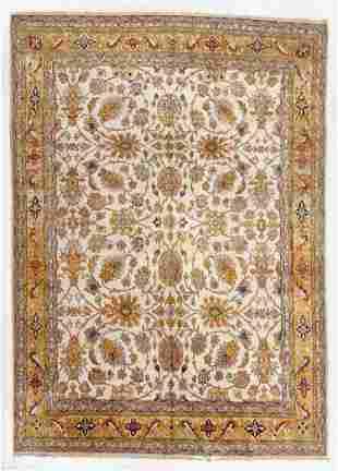 Amritsar Rug, India, Mid 20th C., 10'1'' x 13'11''