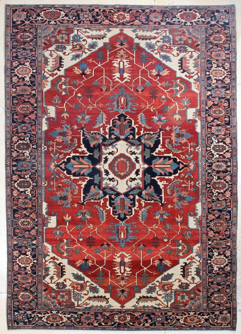Fine Central Medallion Serapi Carpet