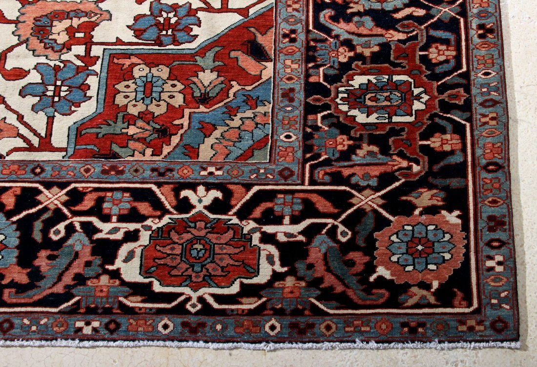 Fine Central Medallion Serapi Carpet - 2