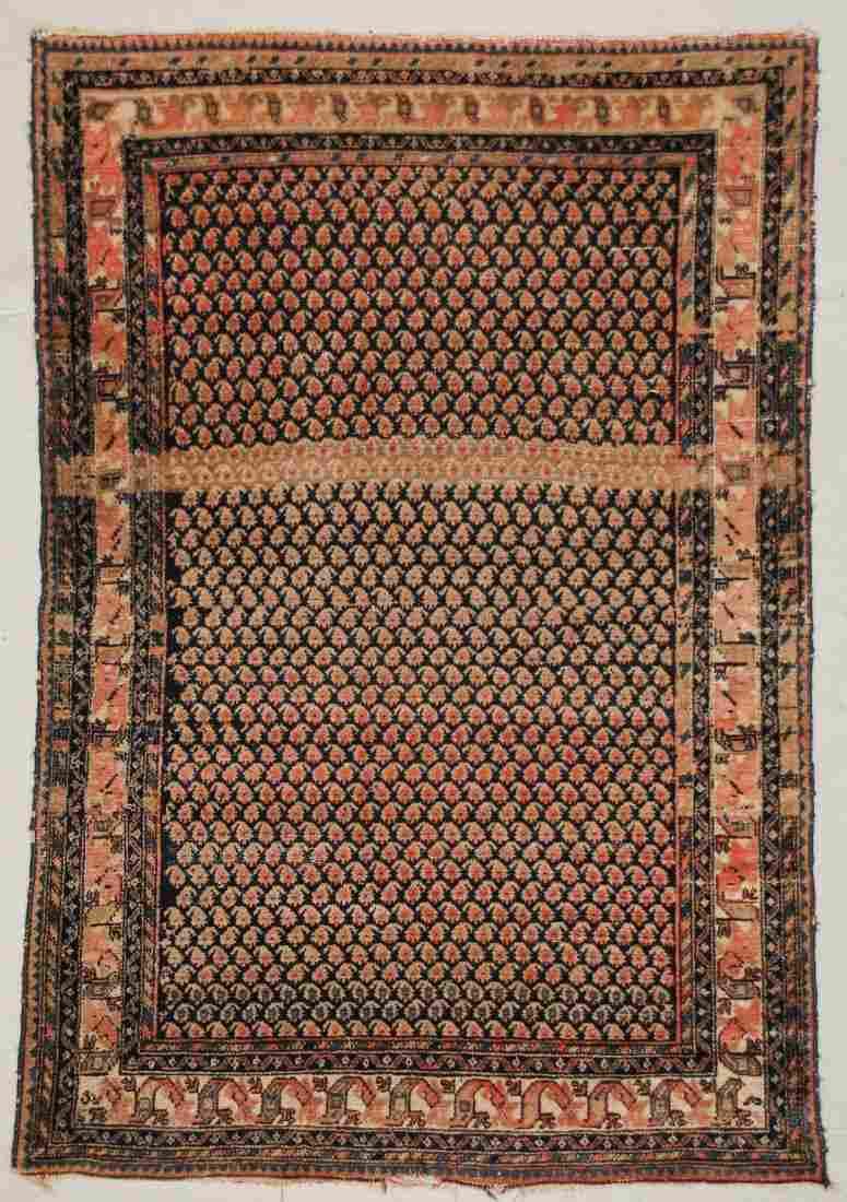 """Antique Hamadan Rug: 4'5"""" x 6'5"""" (135 x 196 cm)"""