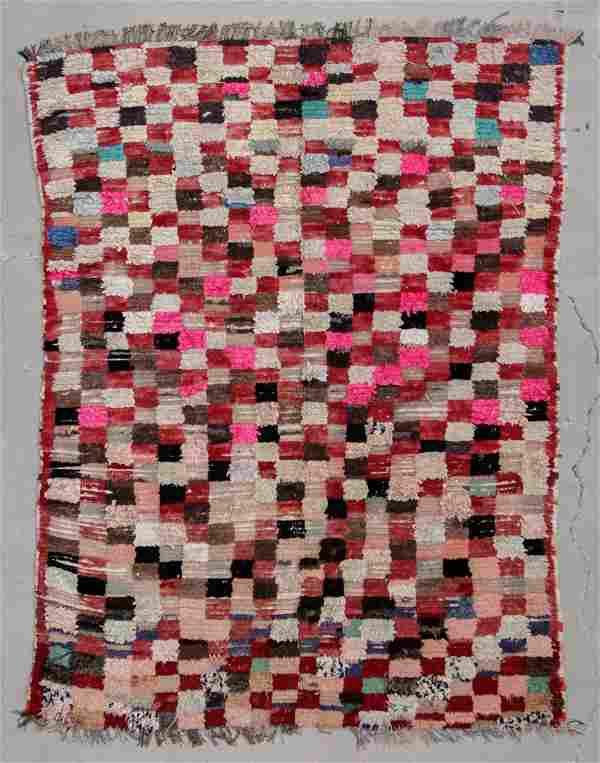 """Vintage Moroccan Rug: 5'10"""" x 7'5"""" (178 x 226 cm)"""