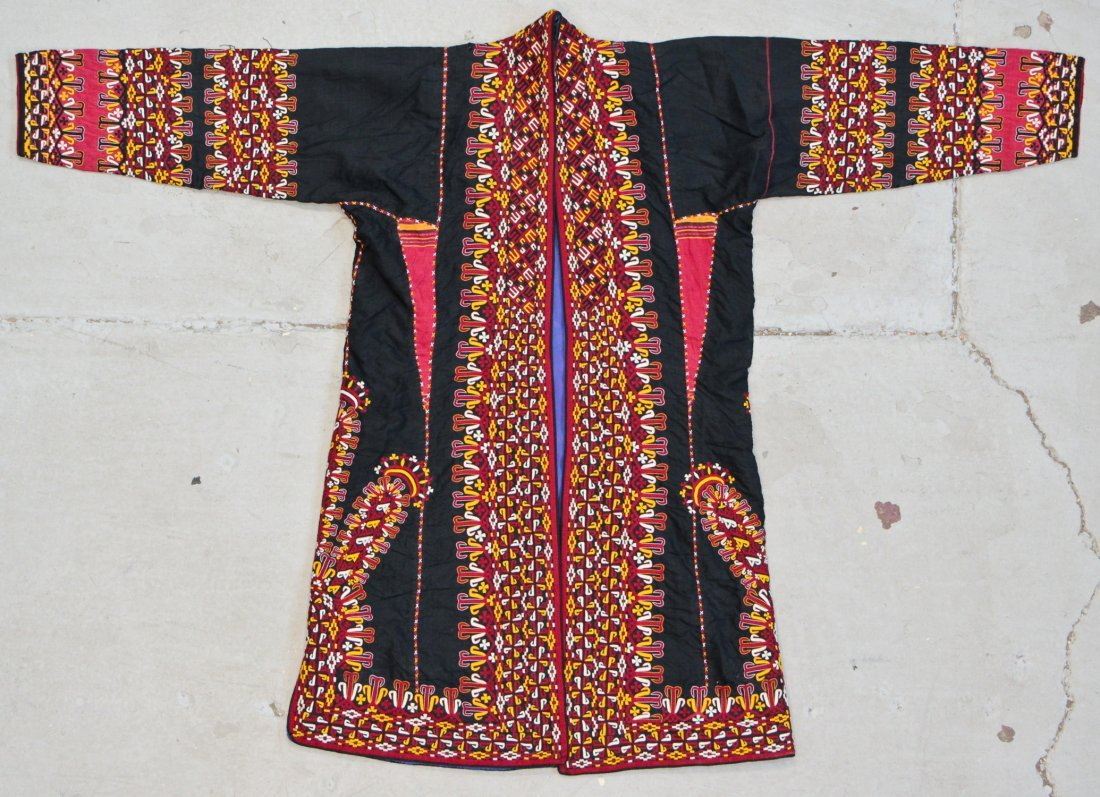 Finely Embroidered Old Turkmen Robe/Chapin