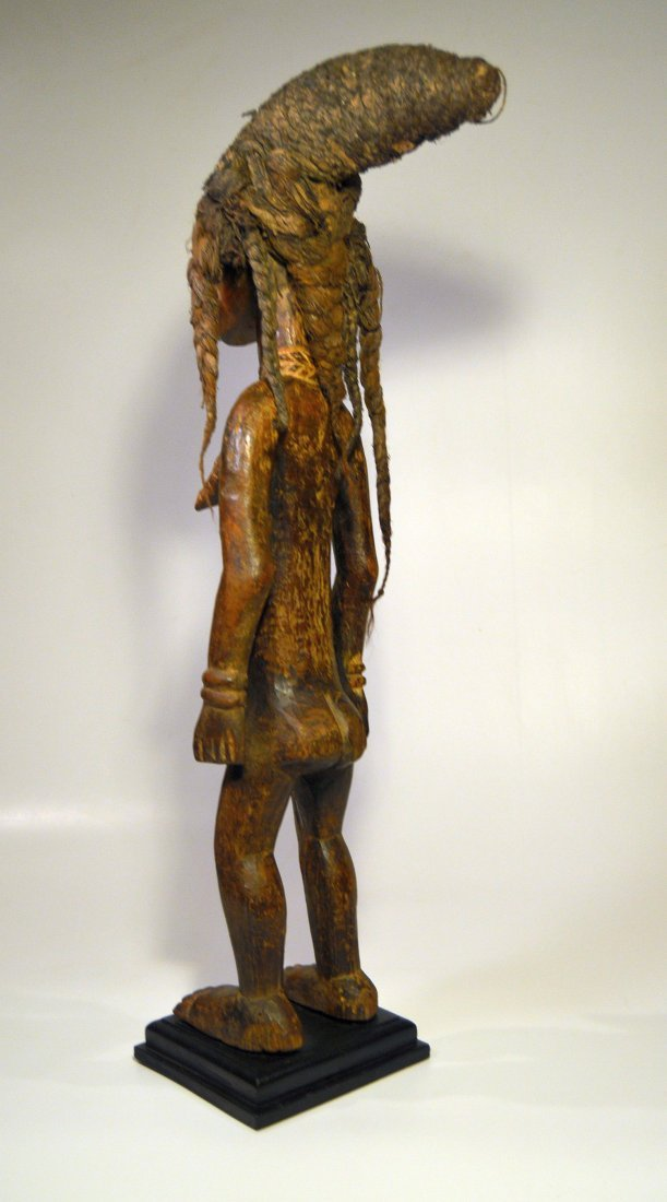Fine Dan Female Sculpture - 3