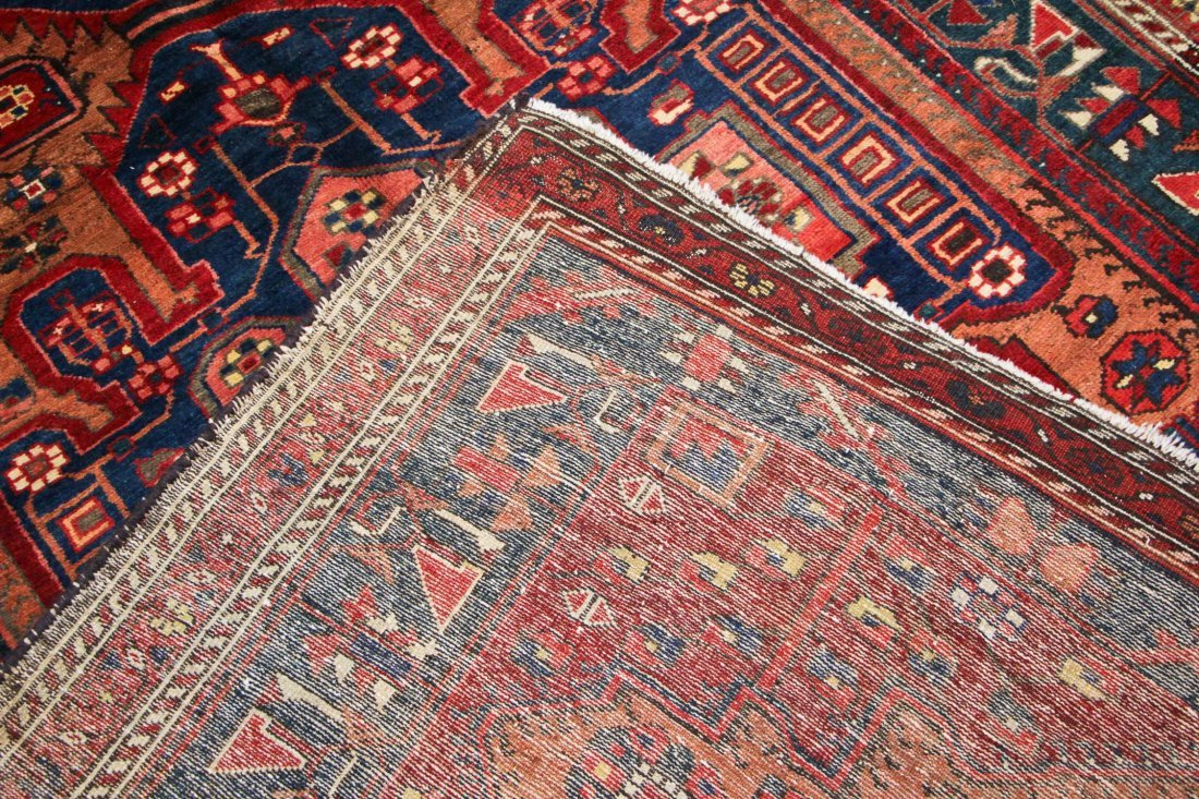 Antique West Persian Rug: 5'2'' x 9'10'' (157 x 300 cm) - 5