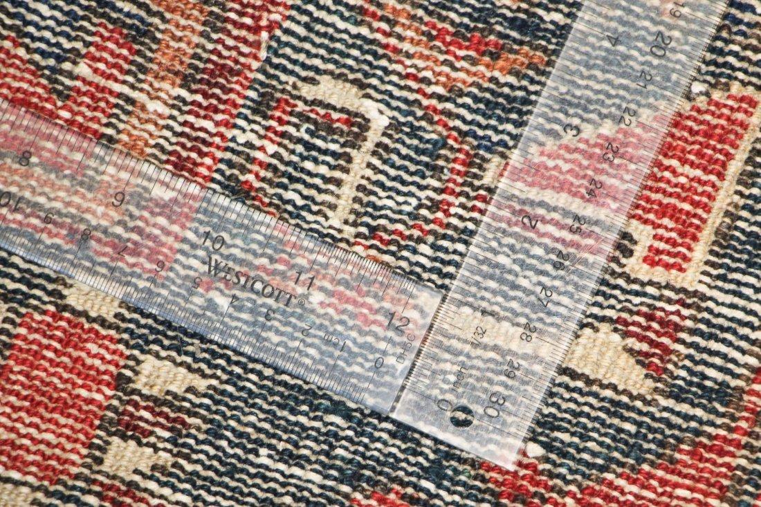 Antique West Persian Rug: 5'2'' x 9'10'' (157 x 300 cm) - 6