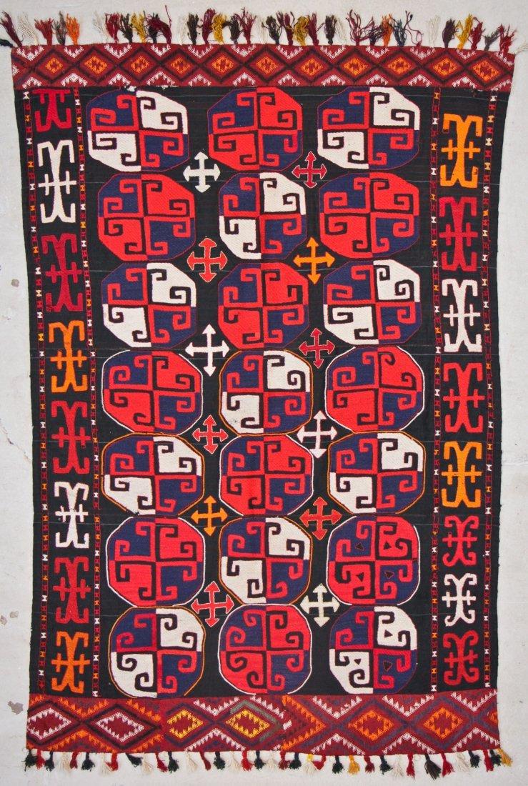 Vintage Central Asian Kilim: 5'0'' x 7'1'' (152 x 216